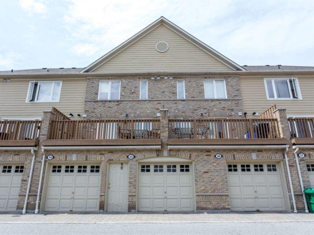 Condo Townhouse at 4965 Southampton Dr, Unit 35, Mississauga, Ontario. Image 5