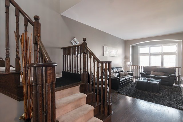 Townhouse at 6 Aspenview Ave, Caledon, Ontario. Image 19
