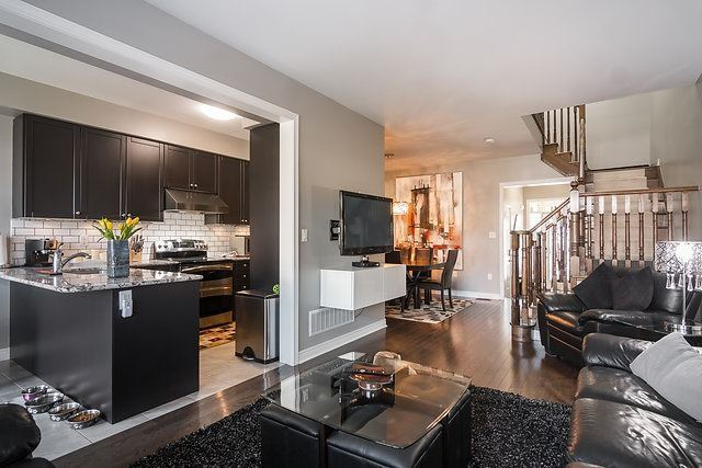 Townhouse at 6 Aspenview Ave, Caledon, Ontario. Image 20
