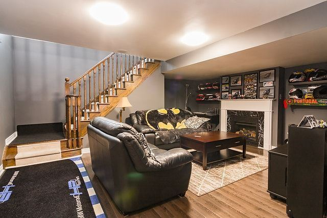 Townhouse at 6 Aspenview Ave, Caledon, Ontario. Image 10