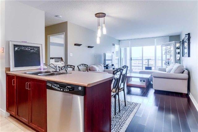 Condo Apartment at 156 Enfield Pl, Unit 2501, Mississauga, Ontario. Image 3