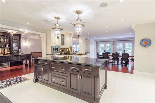 Detached at 853 Indian Rd, Mississauga, Ontario. Image 17