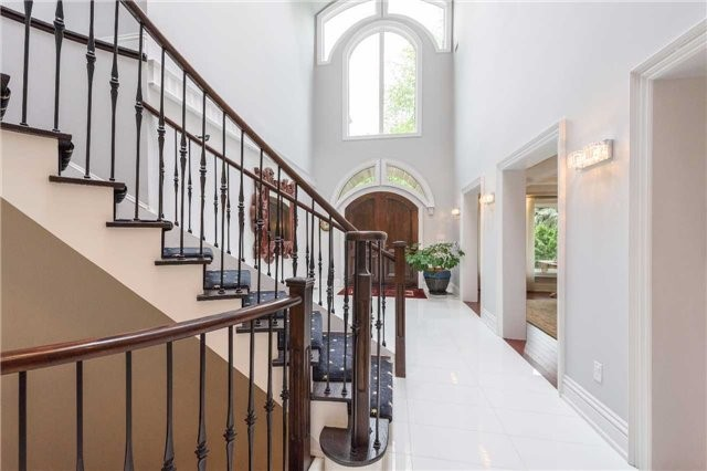 Detached at 853 Indian Rd, Mississauga, Ontario. Image 6
