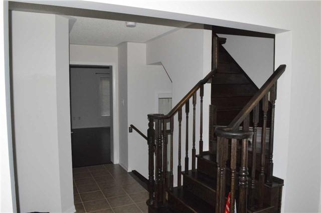 Townhouse at 475 Cavanagh Lane, Milton, Ontario. Image 9