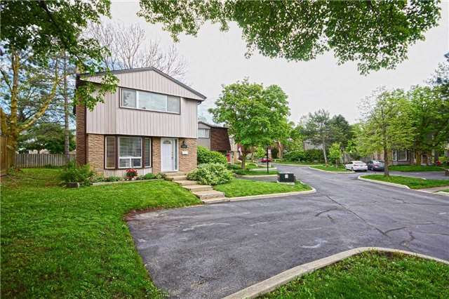 Condo Detached at 1857 Hyde Mill Cres, Mississauga, Ontario. Image 1