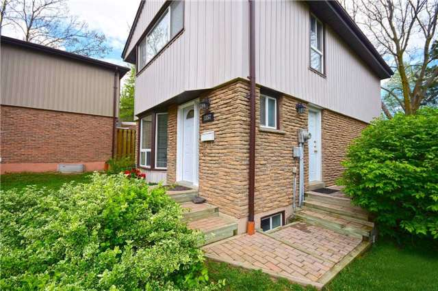 Condo Detached at 1857 Hyde Mill Cres, Mississauga, Ontario. Image 12