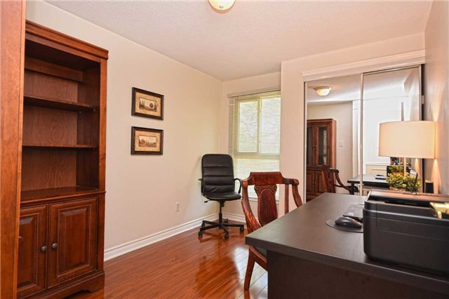 Condo Detached at 1857 Hyde Mill Cres, Mississauga, Ontario. Image 5