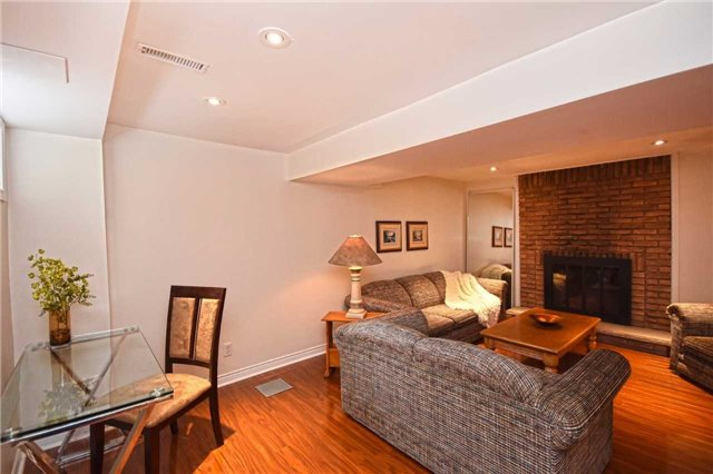 Condo Detached at 1857 Hyde Mill Cres, Mississauga, Ontario. Image 8
