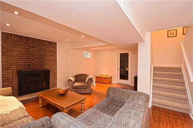 Condo Detached at 1857 Hyde Mill Cres, Mississauga, Ontario. Image 9