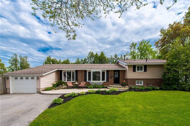 Detached at 256 Parkway Dr W, Milton, Ontario. Image 1