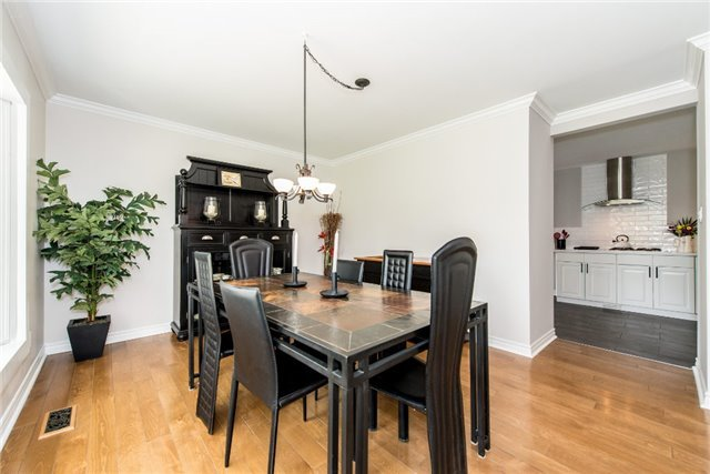 Detached at 256 Parkway Dr W, Milton, Ontario. Image 12