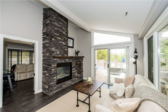 Detached at 256 Parkway Dr W, Milton, Ontario. Image 14
