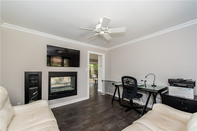 Detached at 256 Parkway Dr W, Milton, Ontario. Image 16