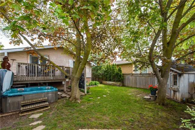 Detached at 256 Parkway Dr W, Milton, Ontario. Image 6