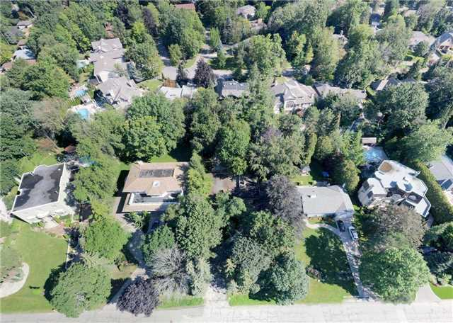 Detached at 72 Thorncrest Rd, Toronto, Ontario. Image 1