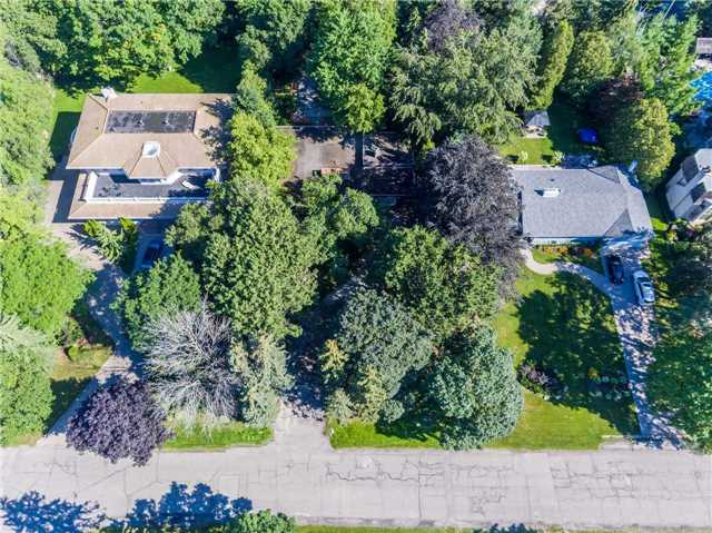 Detached at 72 Thorncrest Rd, Toronto, Ontario. Image 5