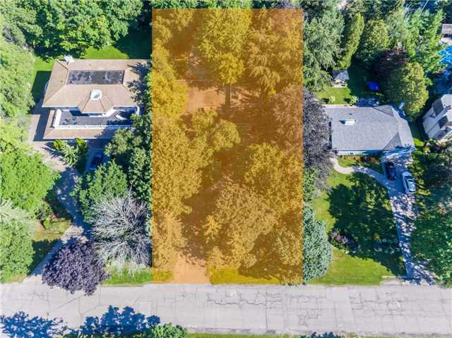 Detached at 72 Thorncrest Rd, Toronto, Ontario. Image 6