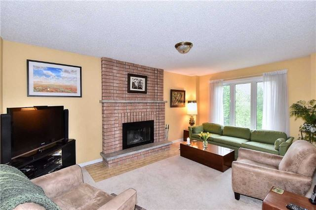 Detached at 45 St Michaels Cres, Caledon, Ontario. Image 9