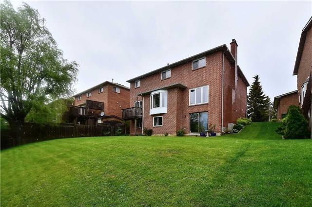Detached at 45 St Michaels Cres, Caledon, Ontario. Image 6