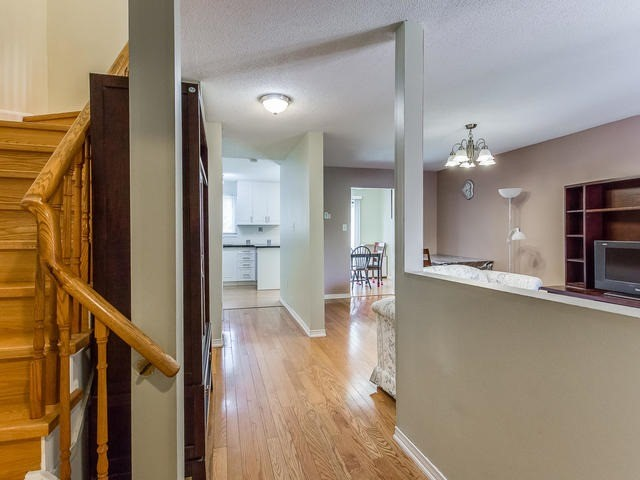 Detached at 4234 Sawmill Valley Dr, Mississauga, Ontario. Image 14