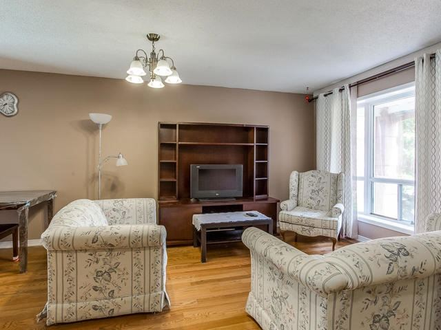 Detached at 4234 Sawmill Valley Dr, Mississauga, Ontario. Image 15