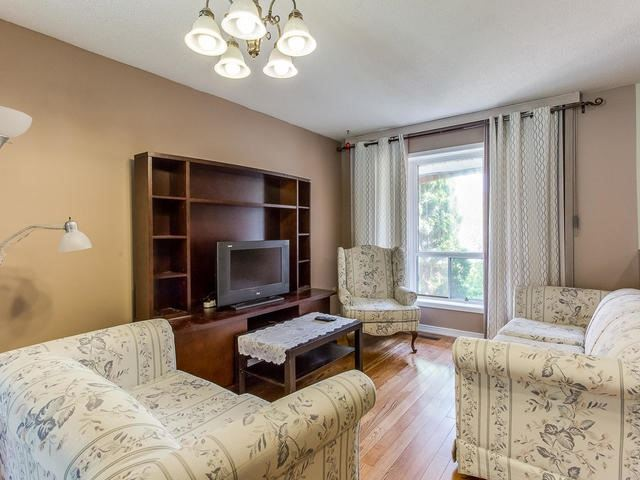 Detached at 4234 Sawmill Valley Dr, Mississauga, Ontario. Image 16