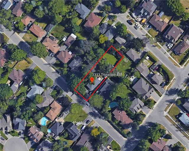 Detached at 1333 Trotwood Ave, Mississauga, Ontario. Image 3