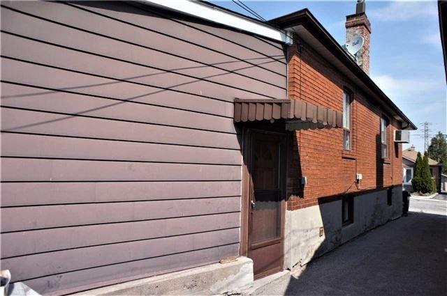 Detached at 497 Whitmore Ave, Toronto, Ontario. Image 3