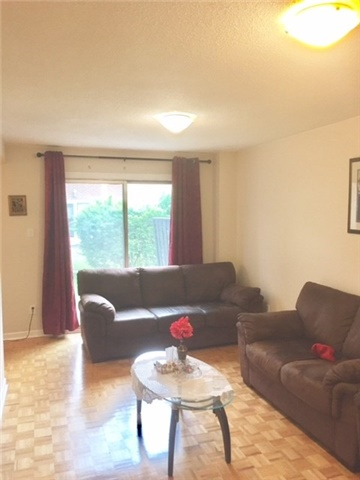 Condo Townhouse at 1180 Mississauga Valley Blvd, Unit 106, Mississauga, Ontario. Image 6