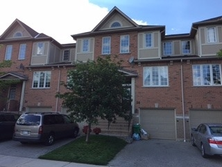 Condo Townhouse at 5055 Heatherleigh Ave, Unit 26, Mississauga, Ontario. Image 1