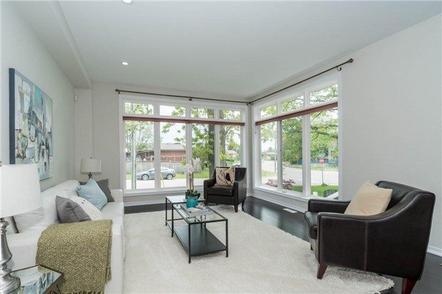 Detached at 338 Woodale Ave, Oakville, Ontario. Image 15