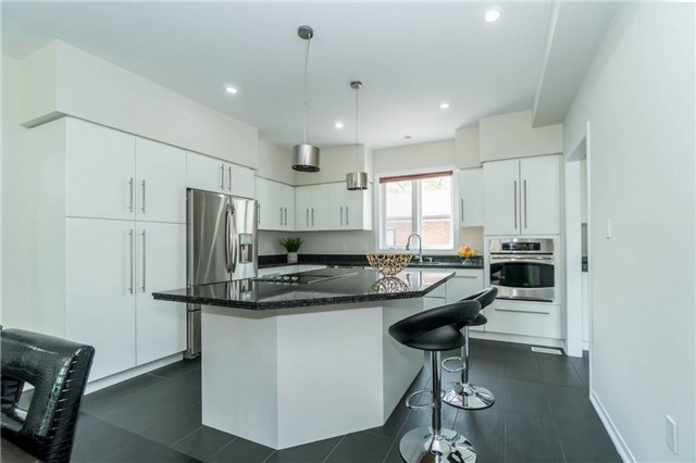 Detached at 338 Woodale Ave, Oakville, Ontario. Image 16