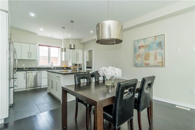 Detached at 338 Woodale Ave, Oakville, Ontario. Image 17