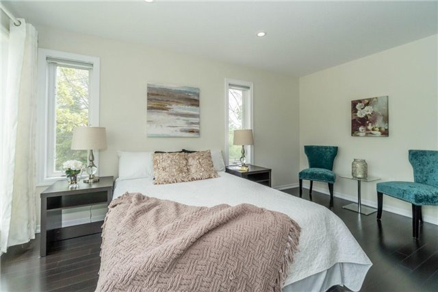 Detached at 338 Woodale Ave, Oakville, Ontario. Image 5