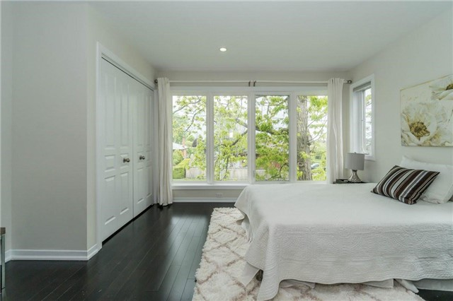 Detached at 338 Woodale Ave, Oakville, Ontario. Image 7