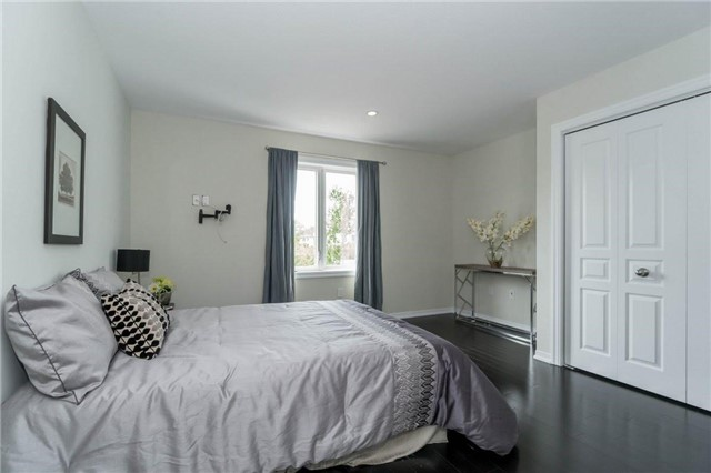 Detached at 338 Woodale Ave, Oakville, Ontario. Image 10