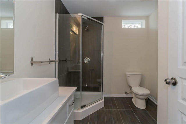 Detached at 338 Woodale Ave, Oakville, Ontario. Image 13