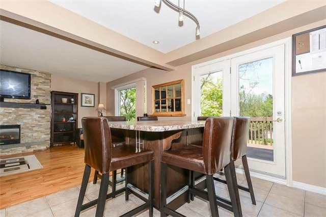 Detached at 7 Alanavale Rd, Caledon, Ontario. Image 2
