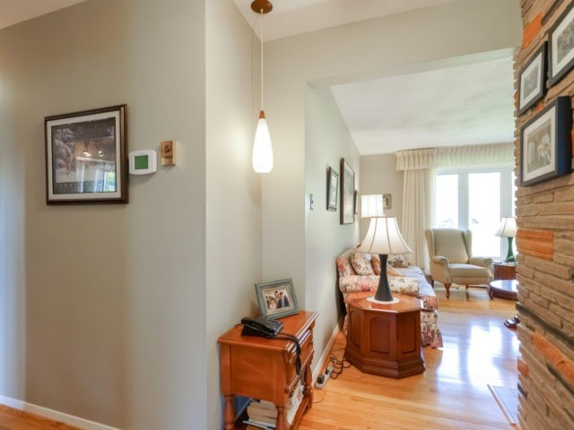 Detached at 1075 Burnhamthorpe Rd W, Oakville, Ontario. Image 17