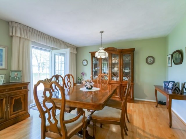 Detached at 1075 Burnhamthorpe Rd W, Oakville, Ontario. Image 20
