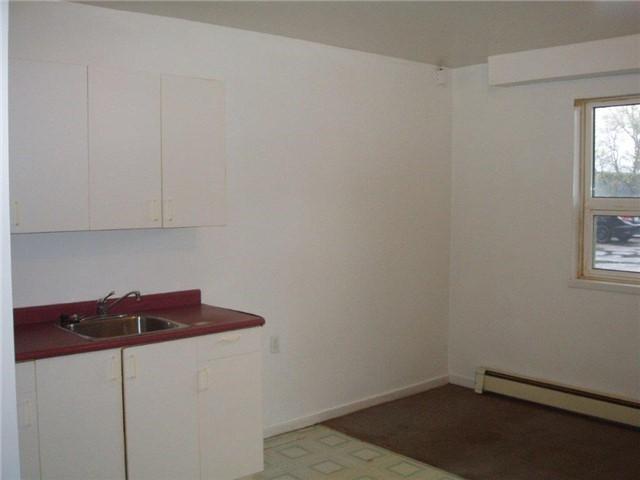 Condo Apartment at 61 Town Line, Unit 105, Orangeville, Ontario. Image 6