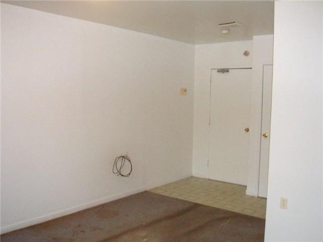 Condo Apartment at 61 Town Line, Unit 105, Orangeville, Ontario. Image 8