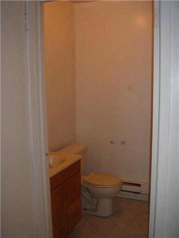 Condo Apartment at 61 Town Line, Unit 105, Orangeville, Ontario. Image 10