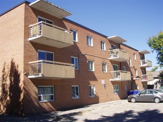 Condo Apartment at 61 Town Line, Unit 105, Orangeville, Ontario. Image 2