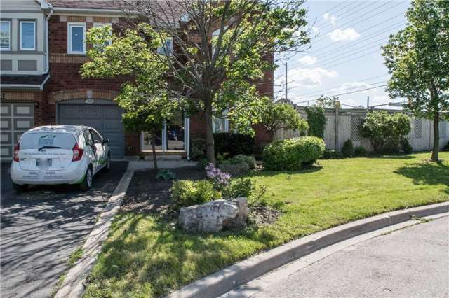 Townhouse at 6954 Guardian Crt, Mississauga, Ontario. Image 7