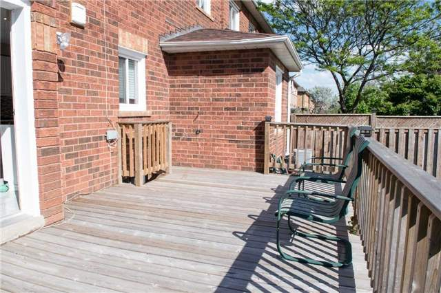 Townhouse at 6954 Guardian Crt, Mississauga, Ontario. Image 3