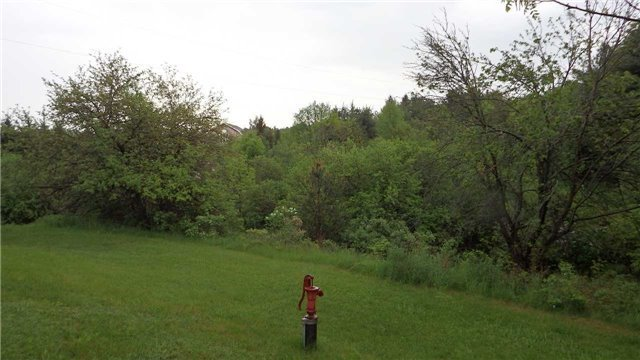 Detached at , Ontario. Image 8