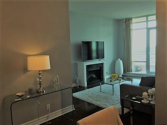 Condo Apartment at 1 Elm Dr, Unit Mp 3006, Mississauga, Ontario. Image 1