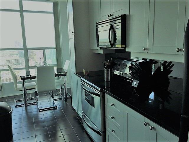 Condo Apartment at 1 Elm Dr, Unit Mp 3006, Mississauga, Ontario. Image 14