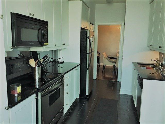 Condo Apartment at 1 Elm Dr, Unit Mp 3006, Mississauga, Ontario. Image 15